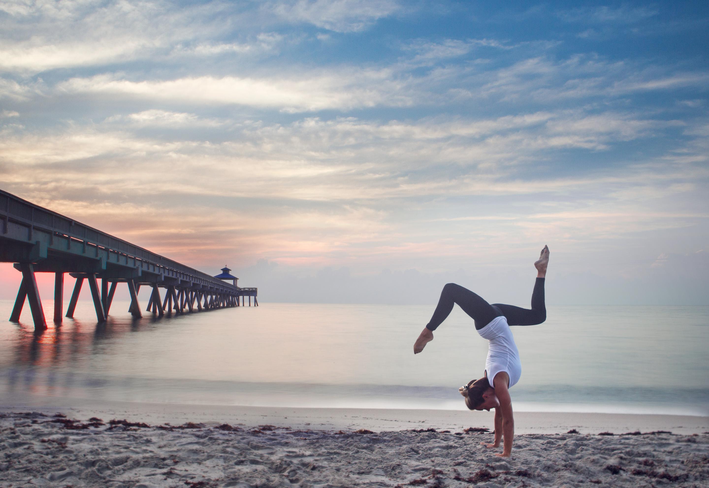 Sunrise-Handstand-01